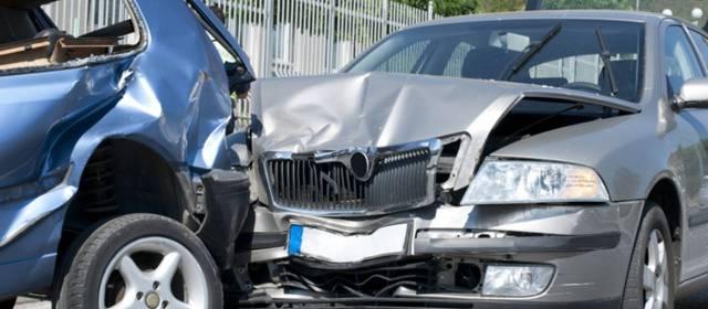 Abogados de Accidentes y Choques de Autos y Carros en Lancaster Ca.